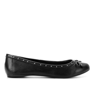 Sapatilha Couro Shoestock Bico Redondo Cravos Feminina