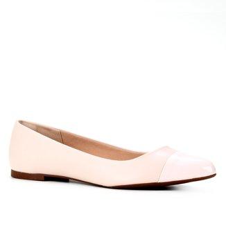 Sapatilha Shoestock Bico Fino Acabemento Verniz Feminina