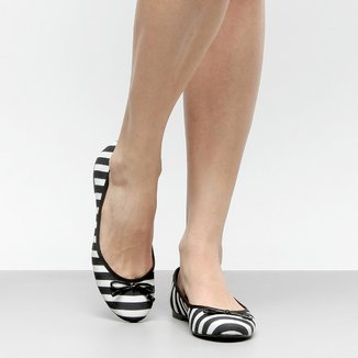 Sapatilha Shoestock Bico Redondo Preta e Branca Feminina