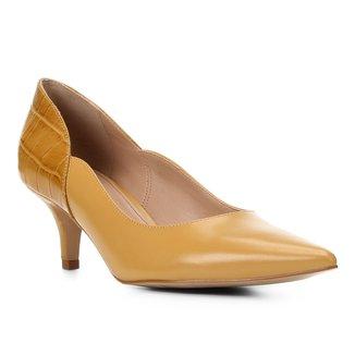 Scarpin Couro Shoestock Bico Fino Salto Baixo