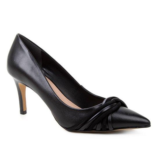 Scarpin Couro Shoestock Bico Fino Tiras Rolete Salto Médio - Preto