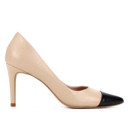 Scarpin Couro Shoestock Fátima Bico Fino Salto Alto - Nude+Preto
