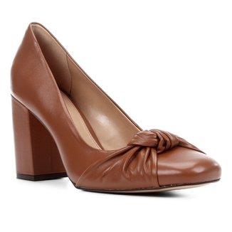 Scarpin Couro Shoestock Salto Alto Nó