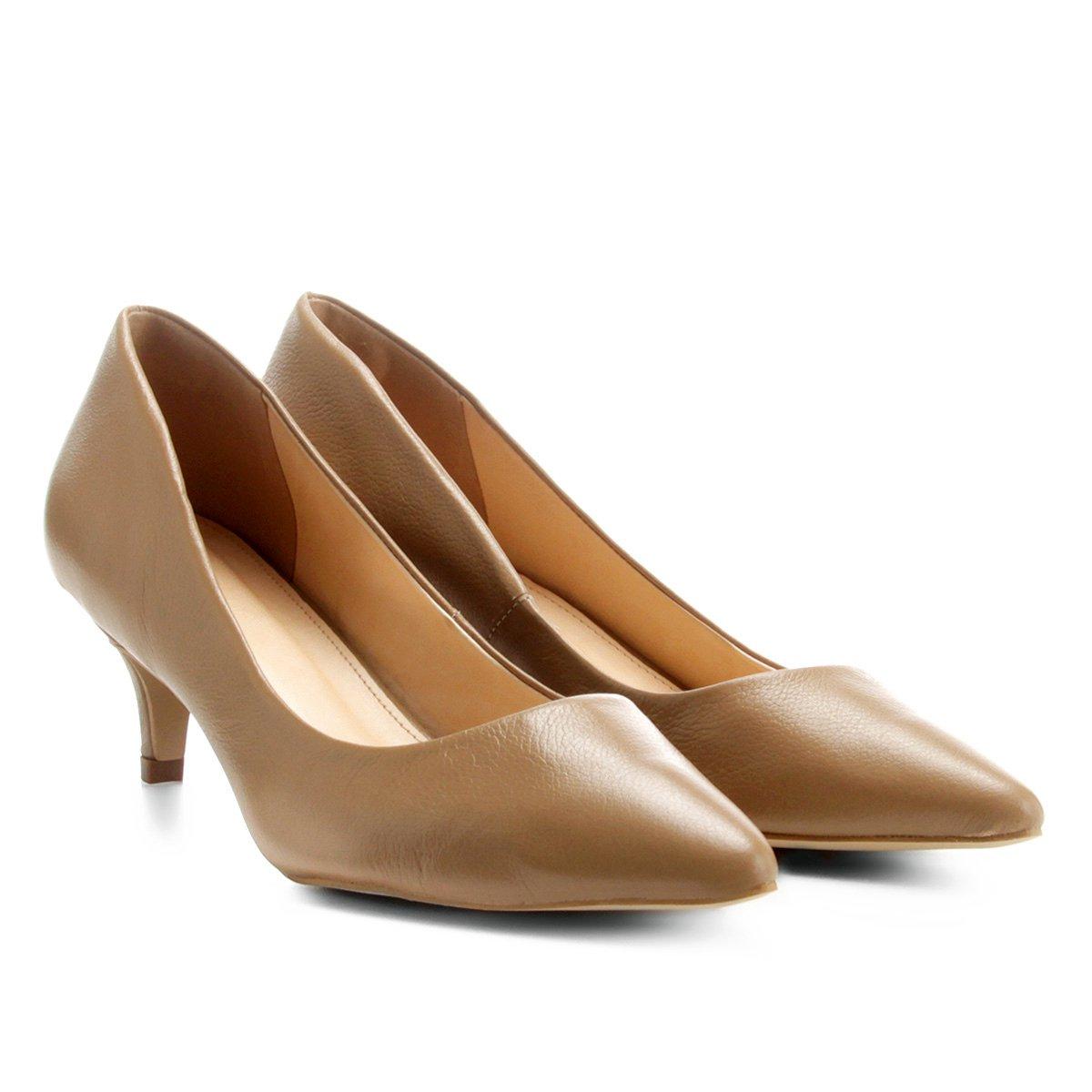 7fdb589223 Scarpin Couro Shoestock Salto Baixo - Bege