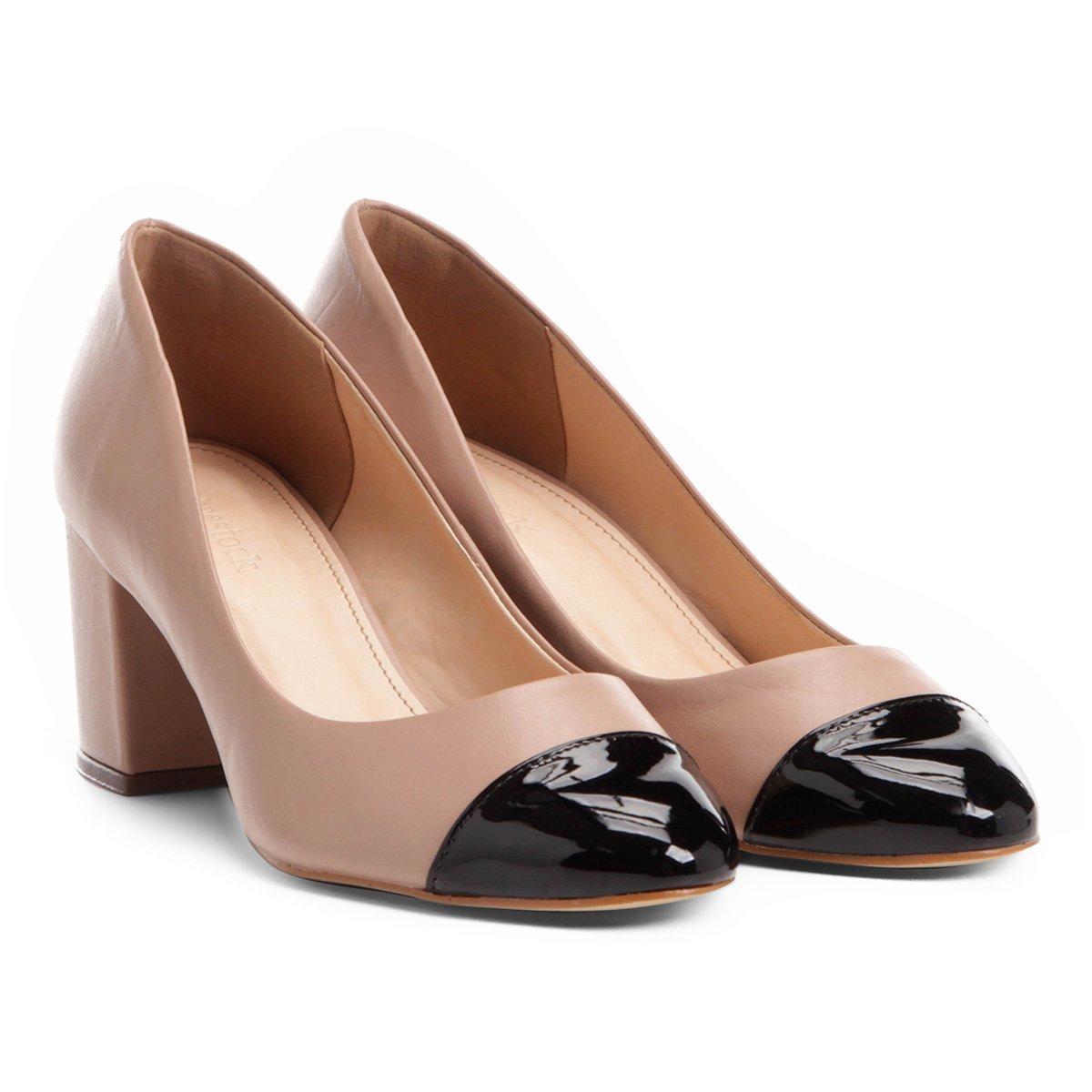 305a7b72df Scarpin Couro Shoestock Salto Médio Bico Redondo