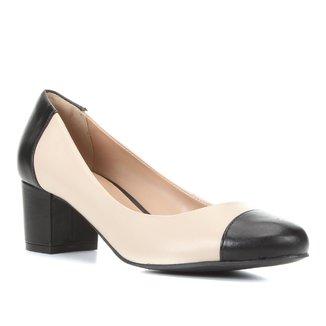 Scarpin Couro Shoestock Salto Médio Classic