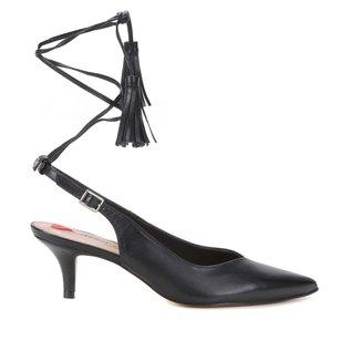 Scarpin Couro Shoestock Slingback Tassel Salto Baixo
