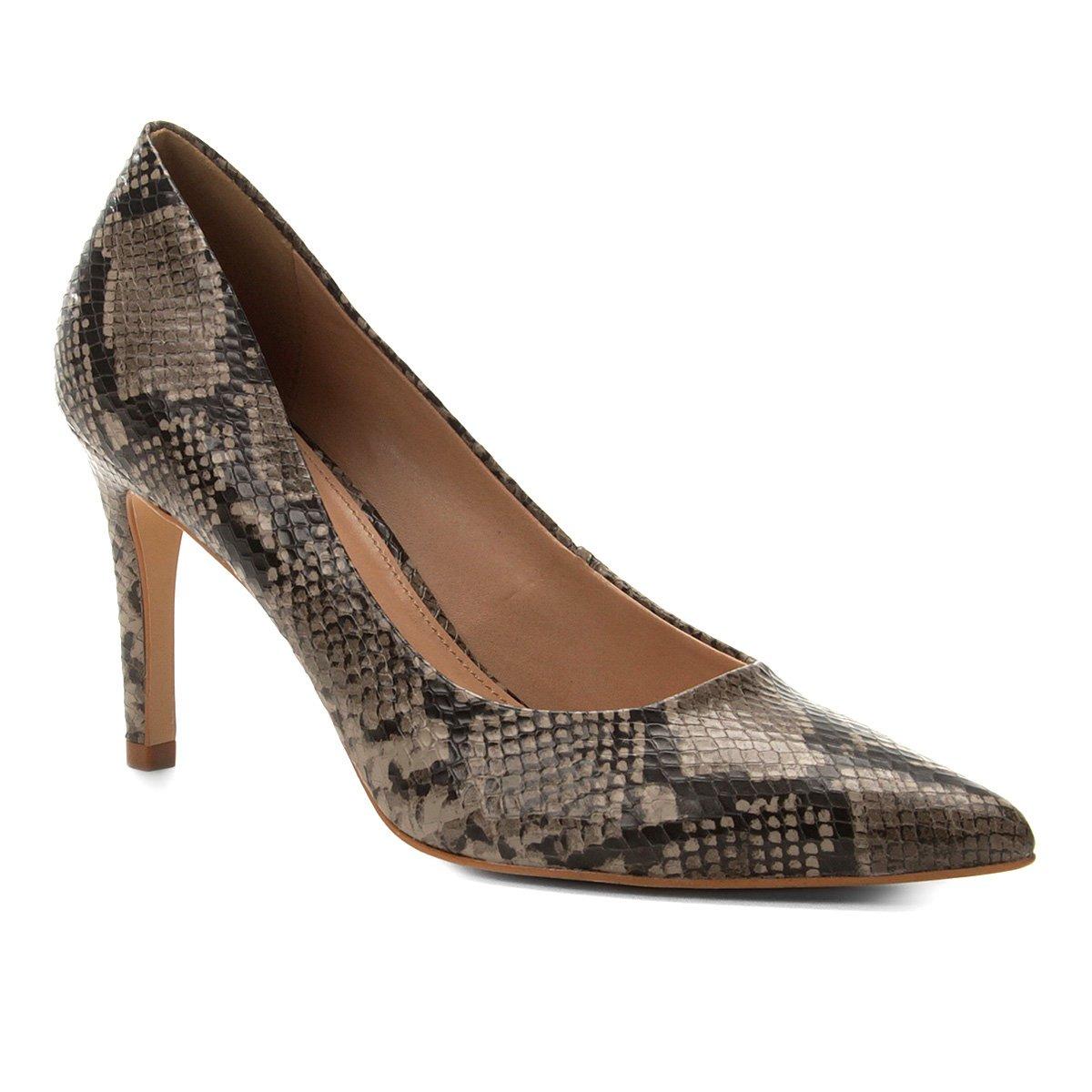 20eef97e2 Scarpin Couro Shoestock Snake Salto Alto Bico Fino - Cinza - Compre Agora