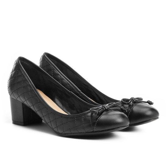 Scarpin Shoestock Salto Médio Matelassê - Preto