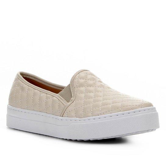Slip On Couro Shoestock Matelassê Feminino - Bege